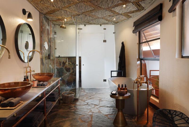 Mala Mala Buffalo suite bathroom